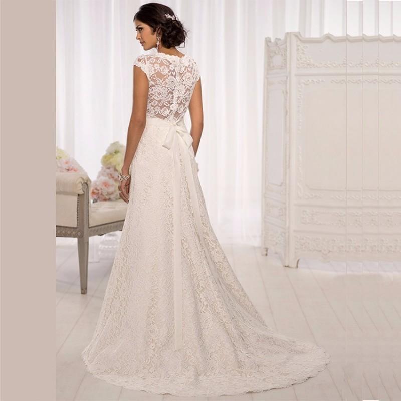 ... krajkové krémové svatební šaty na ramínka Dolce S ... 108723e8cc