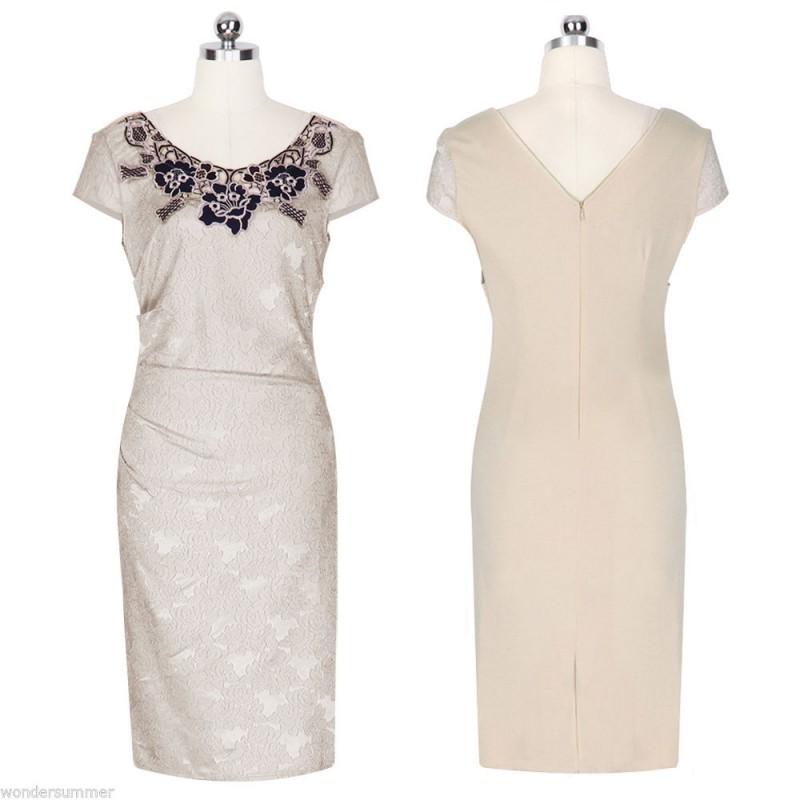 d320a2027bf ... krémové společenské šaty s krajkovým vzorem L