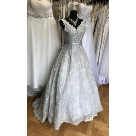 luxusní krajkové šedé plesové šaty na maturitní ples Alison XS-S ... a8322a21b10