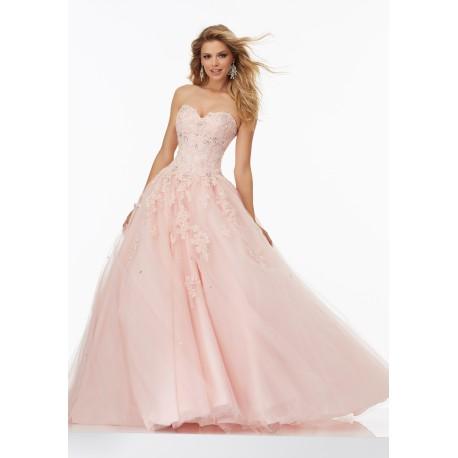 ad3eb1262cd Světle růžové plesové šaty na maturitní ples - bohaté společenské šaty