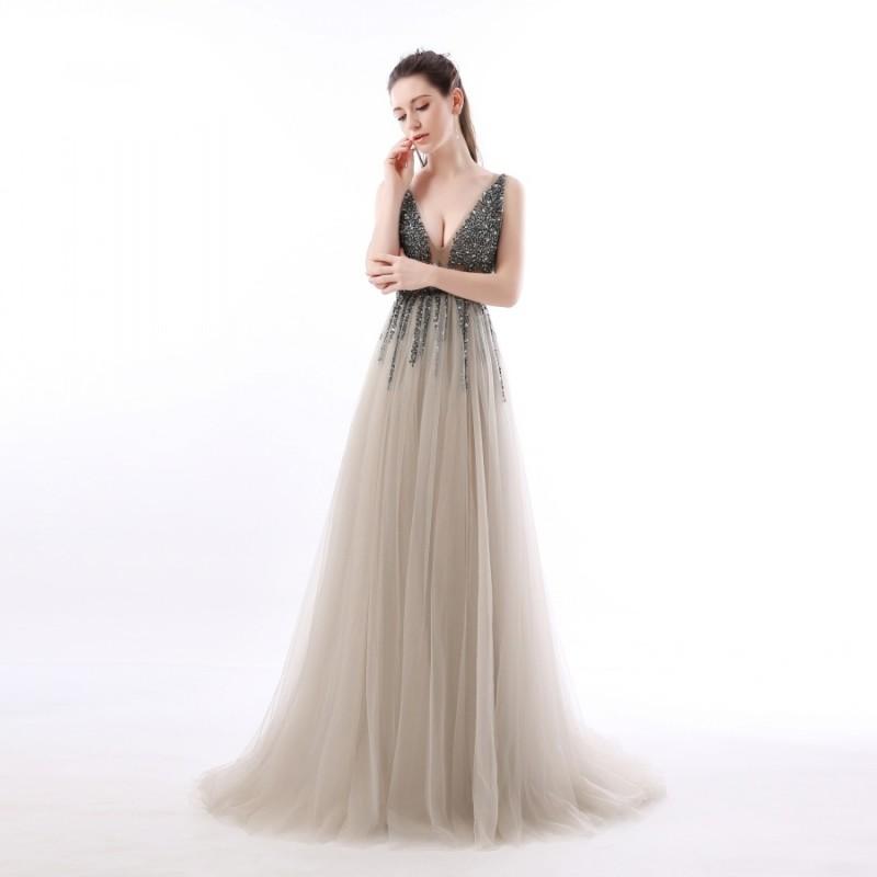 a221ddb515fd ... luxusní sexy tylové plesové šaty s rozparkem Alicia XS ...
