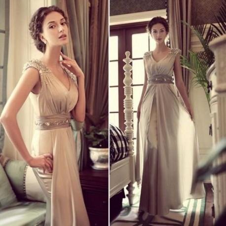 6a667af2a65 Šedivé společenské šaty dlouhé na ramínka - krásné šaty na ples