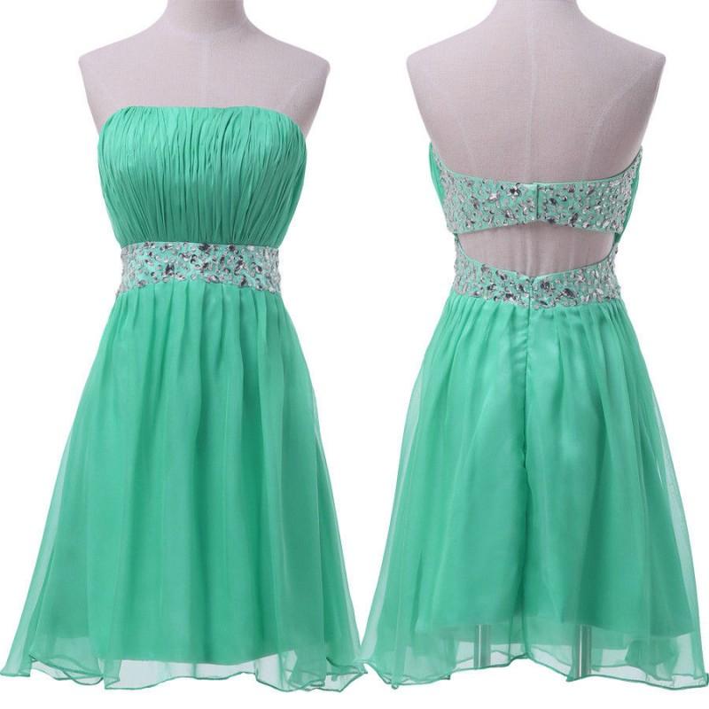 3dc1c4616936 Krátké zelené společenské šaty do tanečních - holá záda