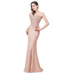 jednoduché světle růžové plesové šaty na maturitní ples Lenny M