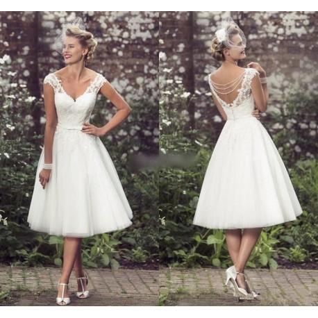 7a21b6827e70 bílé krátké retro svatební šaty Tina S