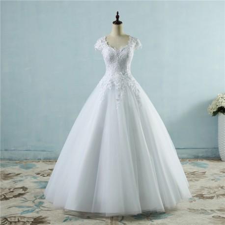 princeznovské bílé svatební šaty 2019 tylové s bohatou sukní M-L
