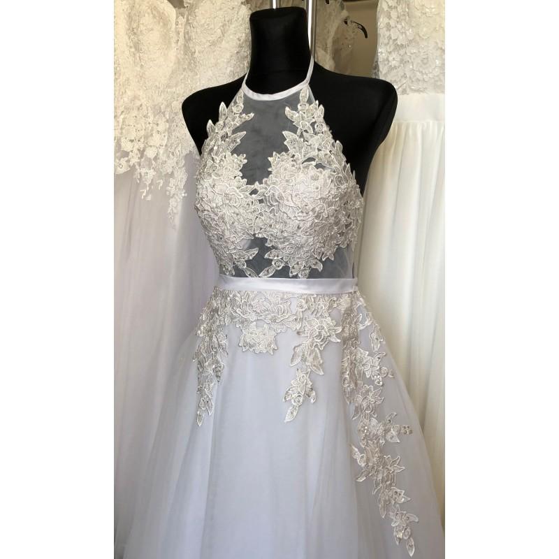 Svatební šaty se zavazováním za krk - boho svatební šaty 2019 8c5a369b95