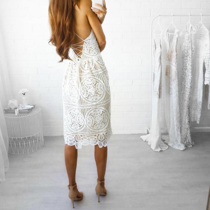 ... krátké bílé letní šaty na špagetová ramínka S-M 5df515af17