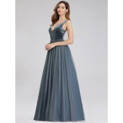 šedé plesové šaty s tylovou sukní Mina M