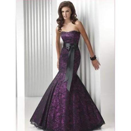 Luxusní fialové šaty s krajkou na míru