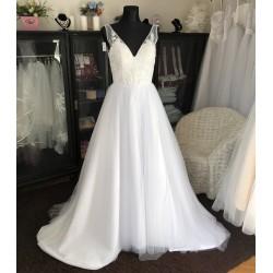 čistě bílé svatební šaty s tylovou sukní Erin XS