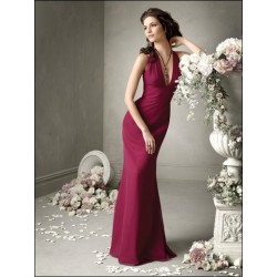 Luxusní dlouhé vínové společenské šaty na míru