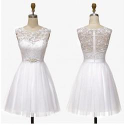 bílé krátké svatební nebo společenské šaty Claudia S
