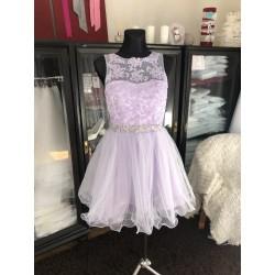 světle fialové krátké společenské šaty na ples Tina S
