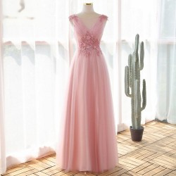 světle růžové plesové šaty na maturitní ples M-L