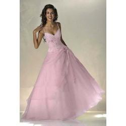 Krásné společenské šaty na míru