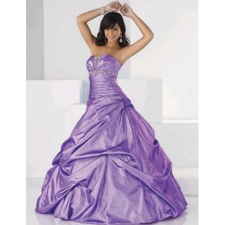 Skvělé maturitní šaty na míru