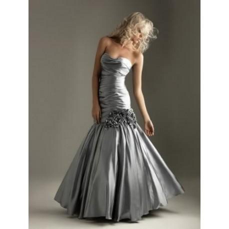 Krásné stříbrné společenské šaty na míru