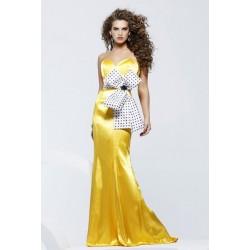 Extravagantní žluté společenské šaty na míru