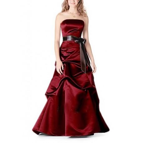 červené maturitní šaty s mašlí