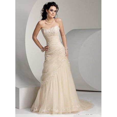 svatební krásně zdobené šaty na míru