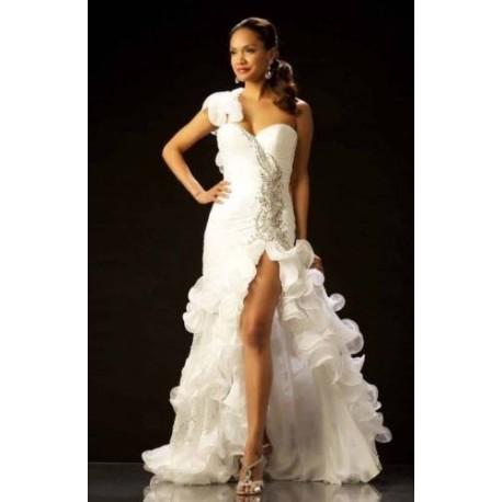 svatební šaty pro odvážné nevěsty