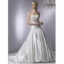 luxusní svatební šaty Carol šité na zakázku