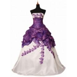 překrásné fialovo-bílé svatební a nebo společenské šaty Betty šité na zakázku