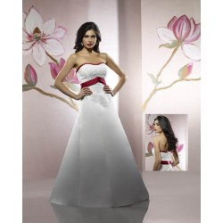 Svatební šaty Agathe na míru