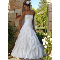 Svatební šaty na míru - Petra