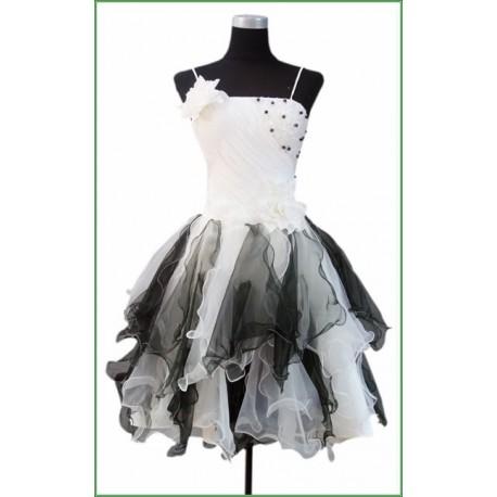 krásné šaty do tanečních na míru