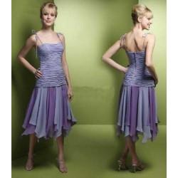 218ce4d10bf8 Krátké společenské šaty pro družičky