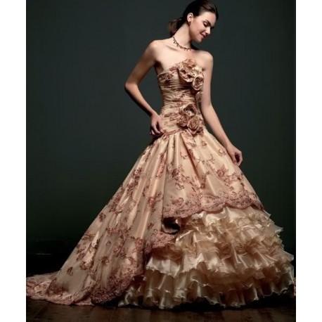 svatební nebo společenské šaty