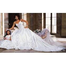 svatební šaty Debbie