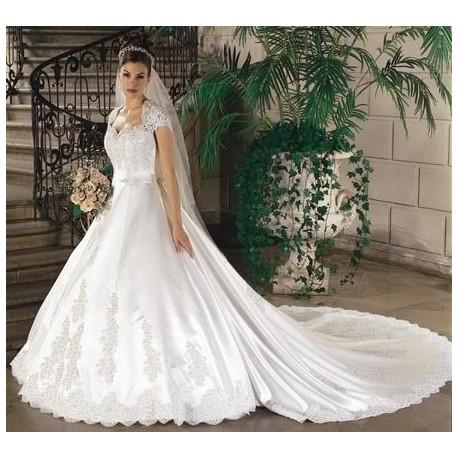 svatební šaty bílé luxusní