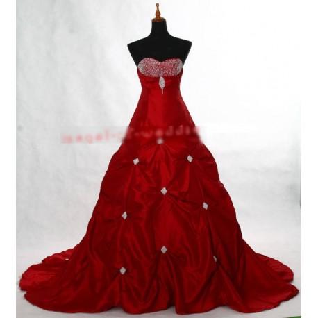luxusní červené společenské šaty