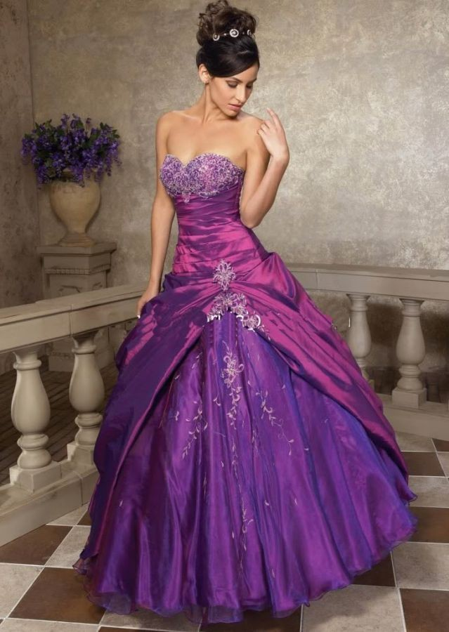 fialové společenské plesové šaty Violetta XL-XXL - Hollywood Style E-Shop -  plesové a svatební šaty 9b04789de72