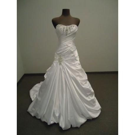 luxusní zdobené svatební šaty Berry