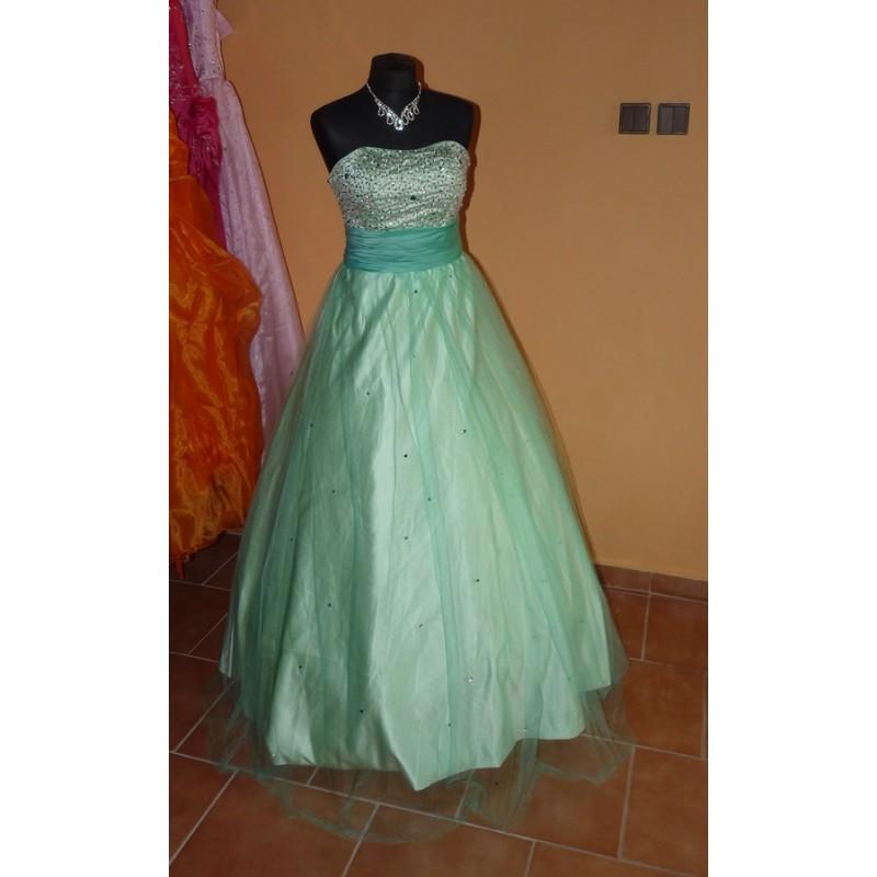 d74669e82b3 Mandy zelené společenské plesové šaty S-M - Hollywood Style E-Shop ...