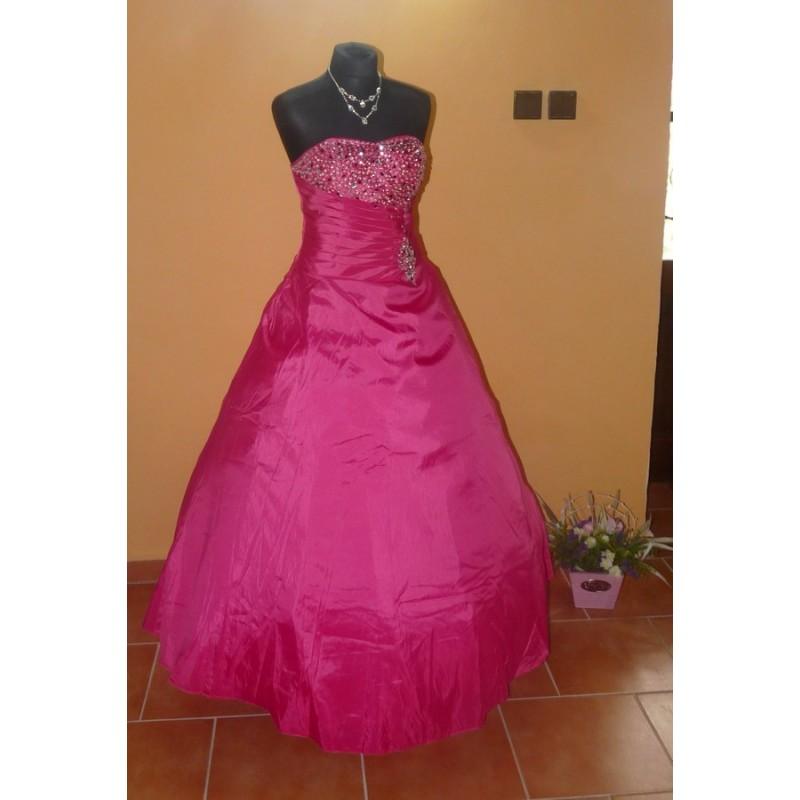 ed2897bcd87 luxusní plesové růžové šaty na maturitní ples Pinky M-L - Hollywood Style  E-Shop - plesové a svatební šaty
