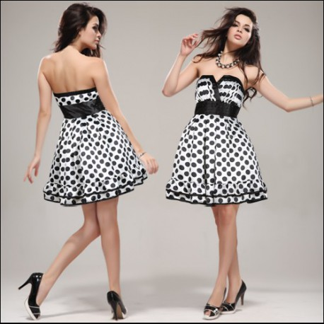 b9f9c598565 retro černo-bílé puntíkaté společenské šaty M - Hollywood Style E ...