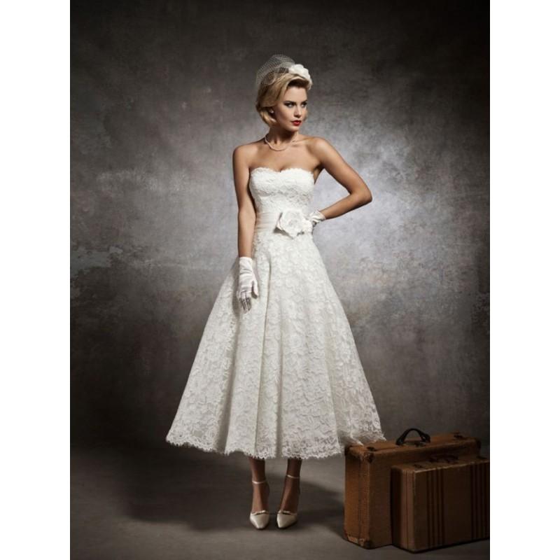 Krátké společenské šaty na ples nebo svatbu - Hollywood Style E-Shop ... 2f5a25355c