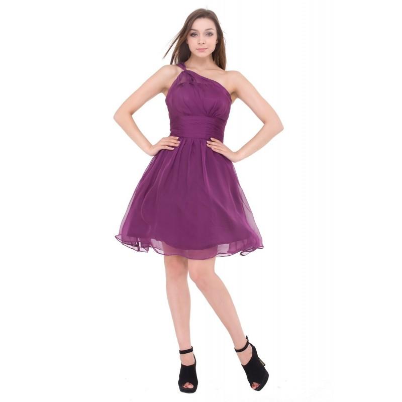1f3dc15bb177 krátké fialové společenské šaty na jedno rameno Petrona S-M ...