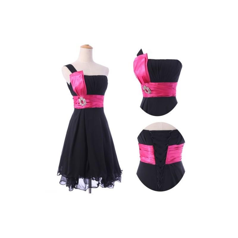 f6701941481 Krátké společenské šaty levně - Hollywood Style E-Shop - plesové a ...