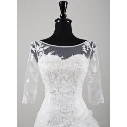 bílé tylové svatební bolerko s krajkovými aplikacemi