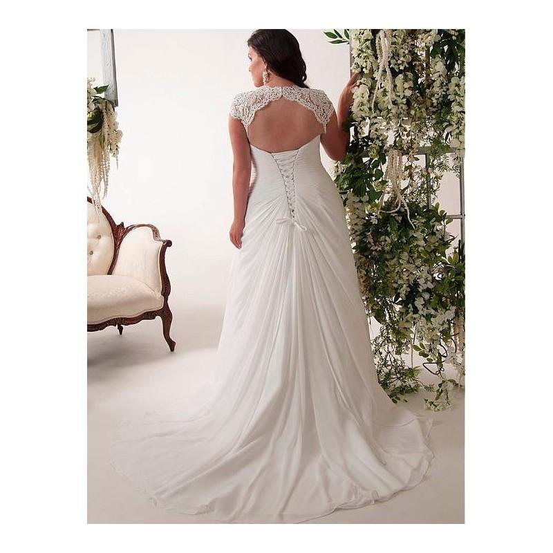 ... antické krémové svatební šaty s krajkovými ramínky Lola 4XL-5XL ... 32c518783f6